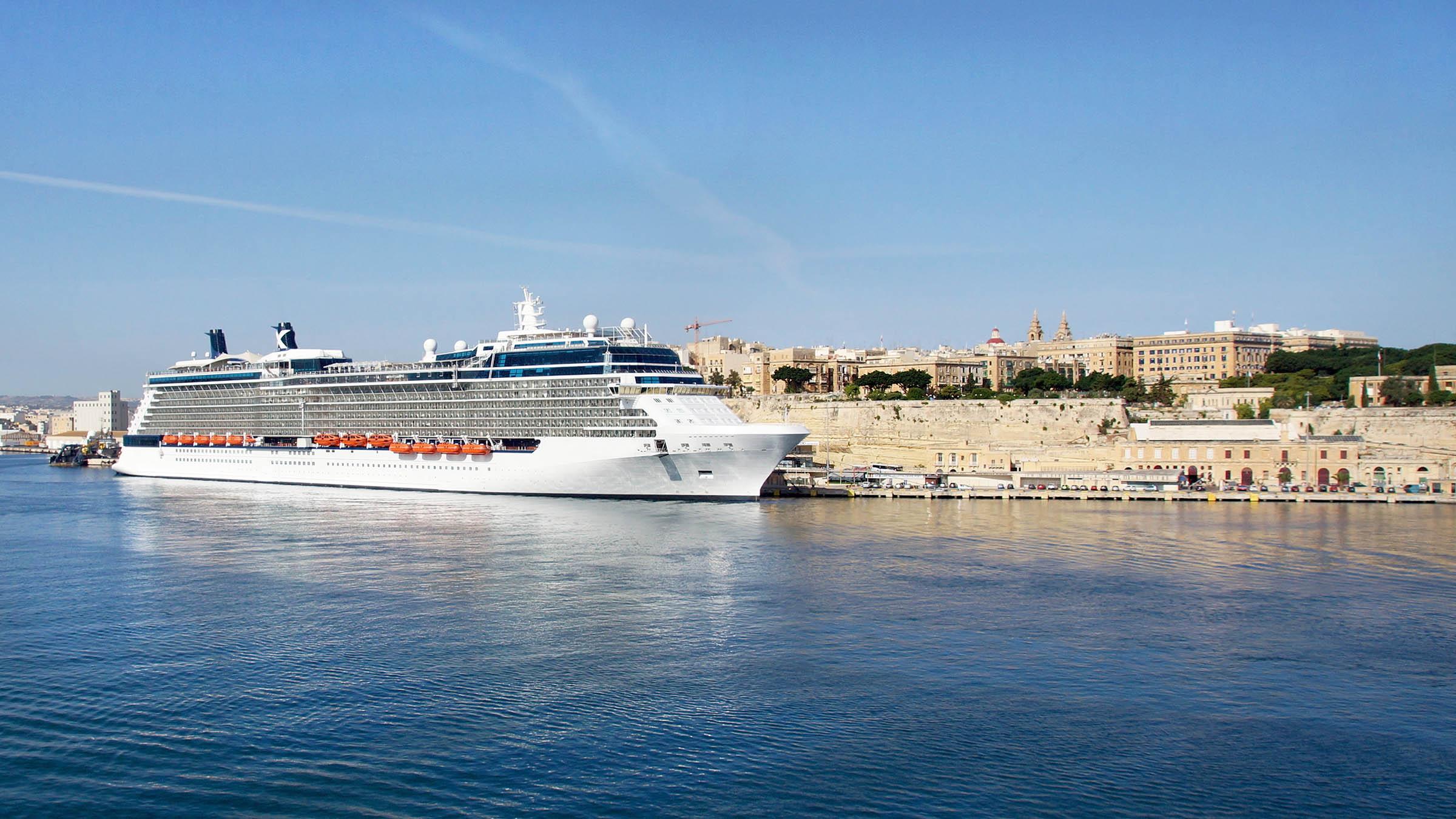crucero-en-el-puerto-de-la-valeta-malta